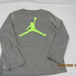 Nike Jordan Basketball long sleeve shirt boys logo